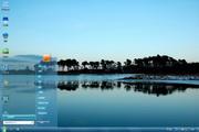平静湖面桌面壁纸 1.0