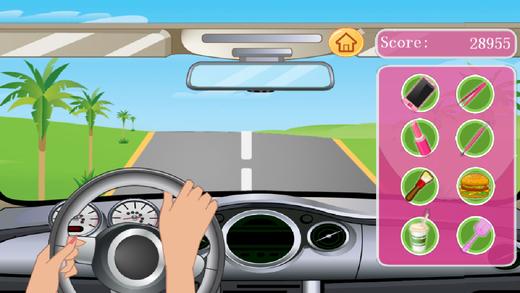 女孩开车偷懒玩游戏