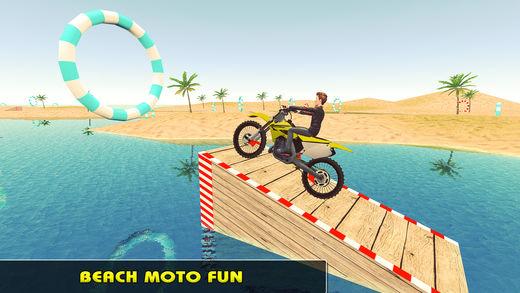 儿童水上摩托车冲浪和有趣的游戏