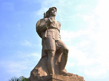 海南红色娘子军雕像导游词