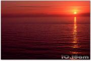 Striking Sunsets Free Screensaver